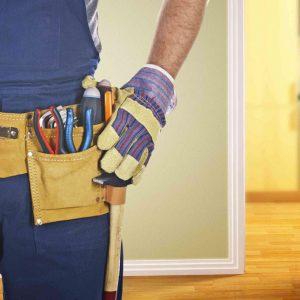 الإصلاحات المنزلية: 8 من الإصلاحات المنزلية يجب عليك استئجار محترف للقيام بها
