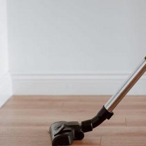 تنظيف الأرضيات: تعلم افضل الطرق لنتظيف أرضيات المنزل